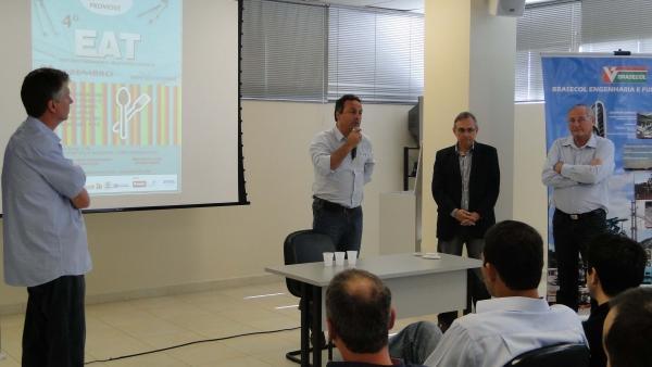 Eng. Nivaldo de Loyola Richter - diretor da BPM PRÉ-MOLDADOS dá as boas vindas aos participantes e comenta sobre os planos da empresa