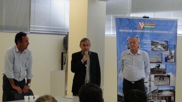 Eng. Sérgio Becke representando a ASCEA, valoriza o evento e a participação dos engenheiros e arquitetos.
