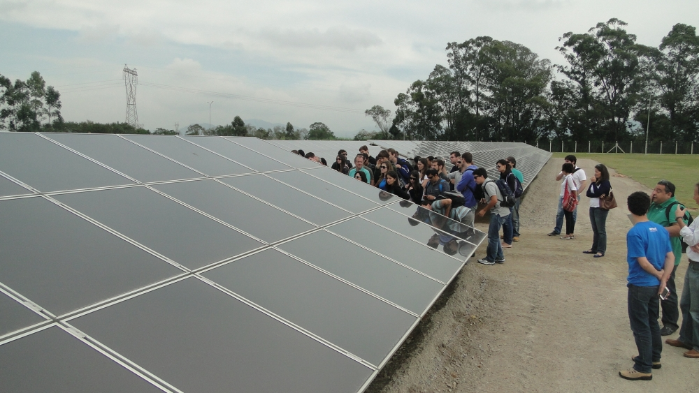 Usina CIDADE AZUL - TRACTEBEL - Capivari de Baixo - Painéis fotovoltaicos