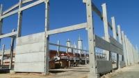 Iniciada a montagem dos painéis de fechamento em concreto