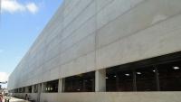 Detalhe das placas de concreto e aberturas para venezianas