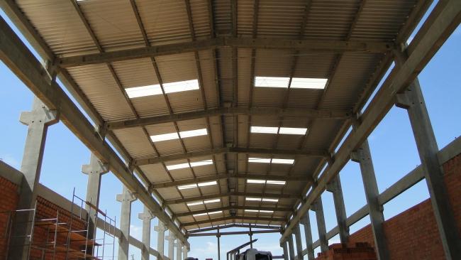 ETAPA 01-Detalhe da estrutura de cobertura e vigas para ponte rolante