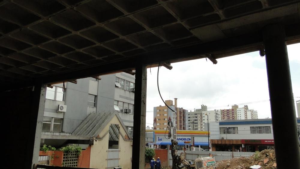 Vista do local a partir do prédio em execução.